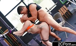 Perfect a-hole mandy muse can't live without to squat and anal