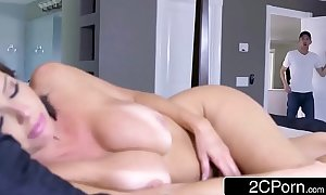 Sexy milf veronica avluv can not live out of big strapon